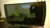 """10/10 Sony Playstation 24"""" 3D 1080p Tv, Black w 2 3D Glasses New"""