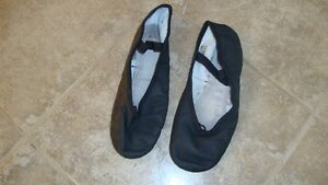 Ukrainian Dance Slippers – Boys (Black) $20 used x 4 times