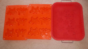 Oven silicone molds, cooling racks and Macaroon maker