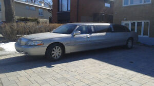 2004 Lincoln Town Car Limousine 70 inches stretch for sale or ex