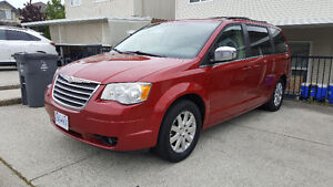2008 Chrysler Town & Country ***No Accidents