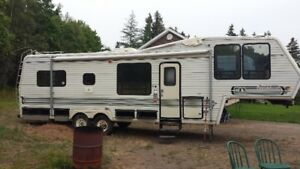1990 32ft Jayco 5th Wheel , PARTS ONLY