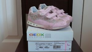 Girls GEOX Running Shoes West Island Greater Montréal image 1