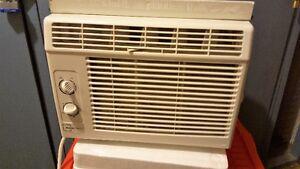 Mainstay 5000 BTU window Air Conditioner