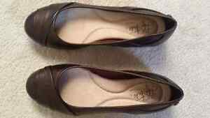 New life stride flat shoes