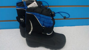 (324A) Boy's winter boots Size 7