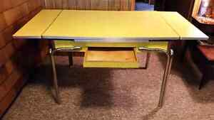 Vintage Formica Table Yellow Excellent Condition Peterborough Peterborough Area image 1