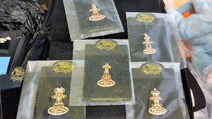 Large disney trading pins collection with 2 cases Cambridge Kitchener Area image 7