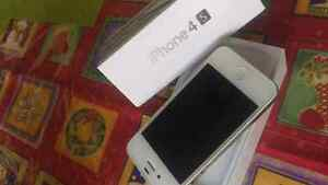 IPHONE 4S 16GB, IOS BELL VIRGINIE MOBILE ** EN SUPERRRR Conditio