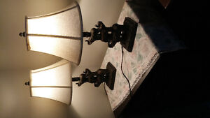 Pair lamps..with éléphants on them..like new.