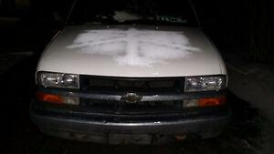 2001 Chevrolet Blazer Coupe (2 door)