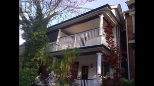 Bright and airy upper 2-bedroom in Cabbagetown heritage home