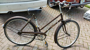 WOMENS RALEIGH 3 SPEED COLLECTABLE BIKE IN MINT CONDITION $175