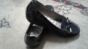 Black Ladies shoes size 10 ( 41)
