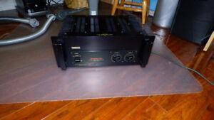 Amplificateur Yamaha P2201   ( TANK )