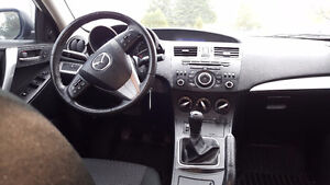 2012 Mazda 3 - LOW KMS!!! London Ontario image 5