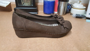 Excellent condition brown American Eagle shoes size 6