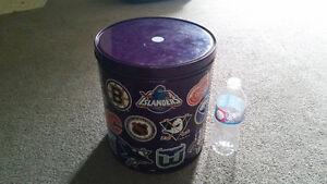 NHL vintage metal collectible large can great condition only 15$ London Ontario image 2