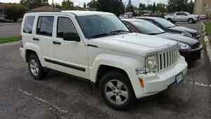 White 2010 Jeep Liberty Sport