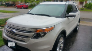 Ford Explorer 2012 Limited - Top of the line!