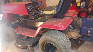Lawn tractor with hitch 12 hp 38in cut