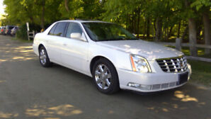 2008 Cadillac DTS Luxury II LOW 90,000kms! near mint condition
