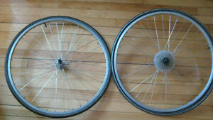 Roues/Wheelset 700c SUNRIMS AT-18