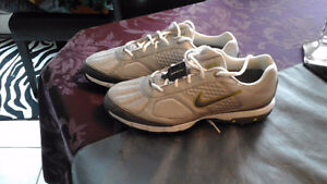 Nike golf shoes-never worn