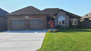 EXECUTIVE BUNGALOW IN BRAND NEW CONDITION $386,900.00