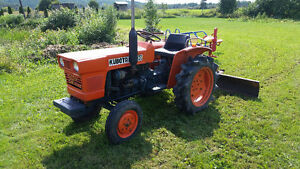 1988 Kubota tractor with 3 point hitch