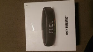 Nike + Fuel Band   BRAND NEW IN BOX