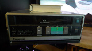 Panasonic AG-1000 Commercial VHS Player .