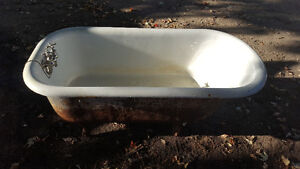 clawfoot antique bathtub