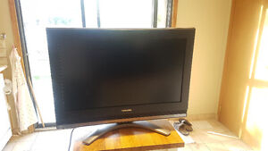 TOSHIBA 22''x12'' HDTV great sound and picture!! $50