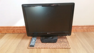 """TOSHIBA LCD flat screen TV and DVD combined 22"""" excellent cond."""