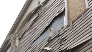 WIND DAMAGE SIDING FAST ALL WEEKEND REPAIRS