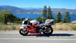 2002 Honda CBR 600F4i