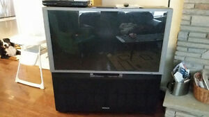 "HDTV Hitachi 51"" Rear projection"
