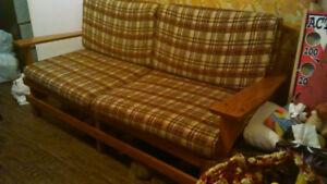 Grand divan et fauteuil