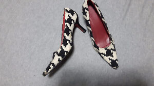 Tweed hounstooth le chateau  pointed toe size 10 shoes