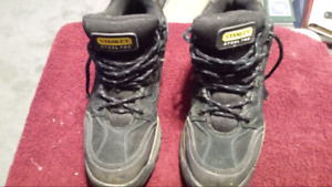 Mens 8.5 steel toe high top.shoes/boots