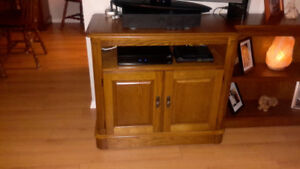 FOR SALE - TV, TV Console, Sound Box and Book Case (Elliot Lake)