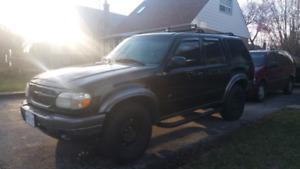 2000 XLT Ford explorer