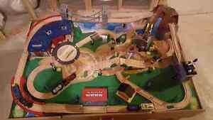 Train table  Kitchener / Waterloo Kitchener Area image 1