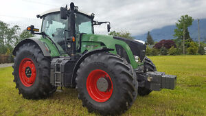 Fendt 922 Vario Tractor with dually's front and rear