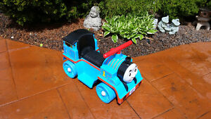 THOMAS THE TRAIN CAR BATTERY OPERATED  FISHER PRICE