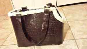 Brand new leather looks pet carrier
