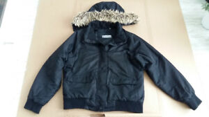 Landmark Women's hooded winter coat / jacket, Size L/G