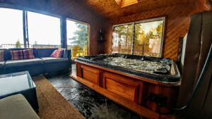 private Hottub & Sauna - getaway from $120/night sleeps 6
