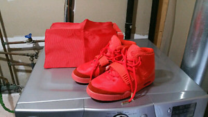 Yeezy Red Octobers -size 10